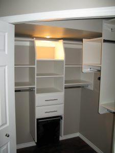 walk in closet built in