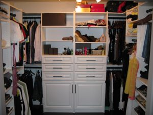 walk in closet built in